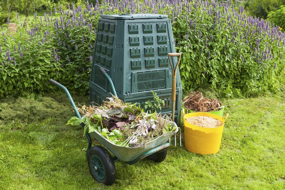 A komposztálással nem csak a környezetedért tehetsz, spórolhatsz is!